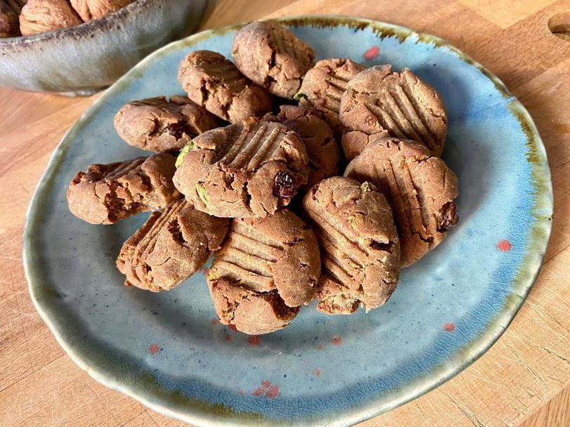 Galletas de trigo sarraceno, especias y pistachos