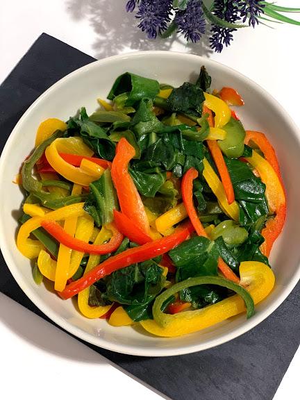 Salteado vegetal con jengibre y hierbabuena