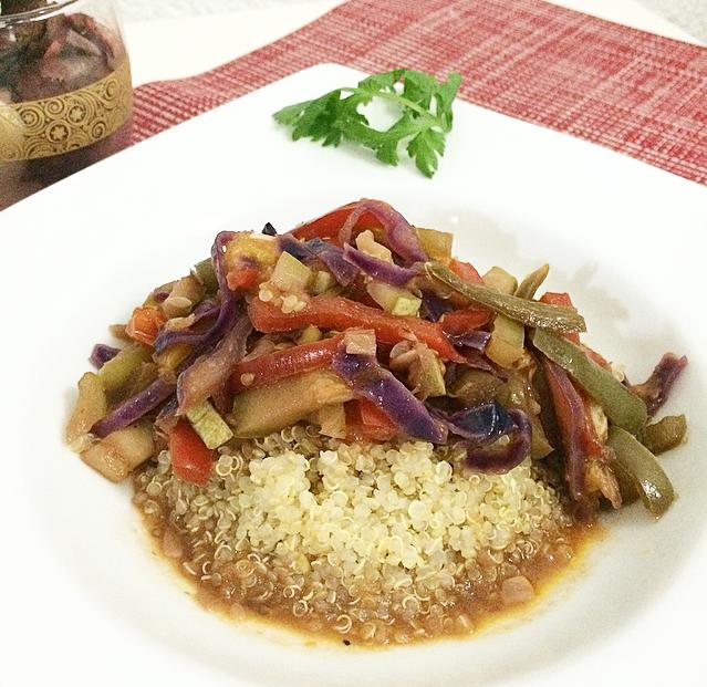 Quinoa vegetal con albaricoque