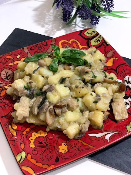 Guiso de patatas y mix de setas