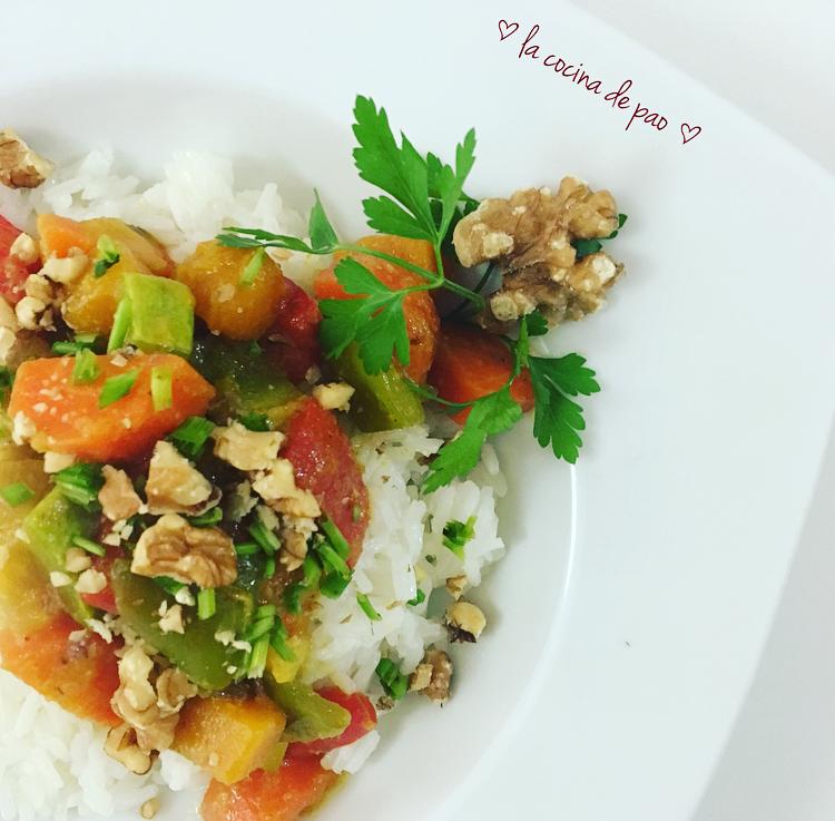 Arroz thai con vegetales al curry